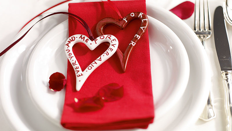 Make your own wedding decorations: Fill your day with love