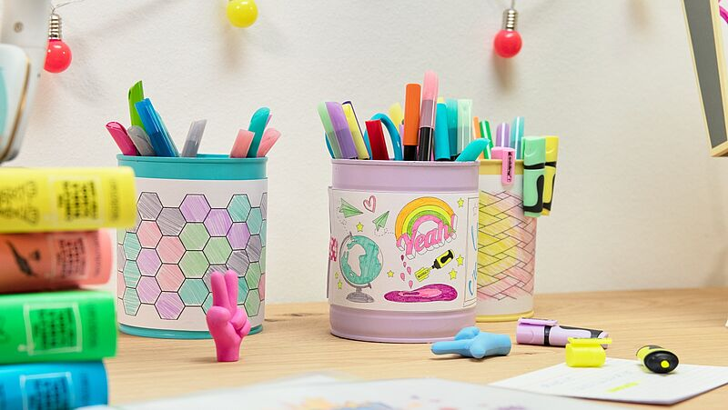 Design a colourful pen holder