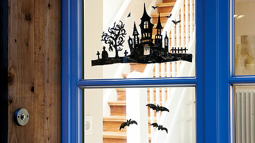 Beautiful spooky Halloween window decorations