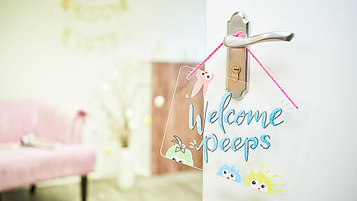 DIY welcome door sign
