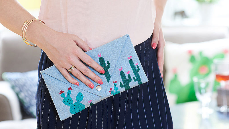 Decorate your clutch with a cactus design