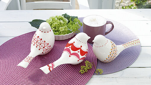 Design porcelain birds to decorate your table