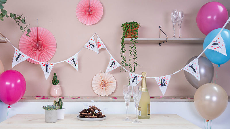 Decorate your own bunting