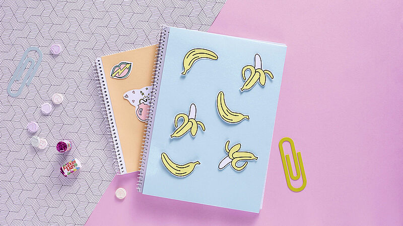 Decorate notebooks in pastel shades with edding
