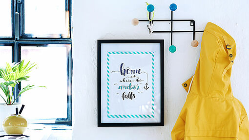 Create your own picture frame complete with quotes