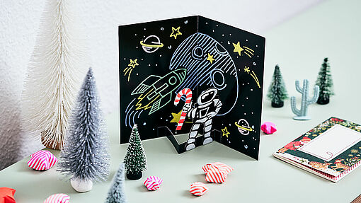 DIY astronaut pop up card