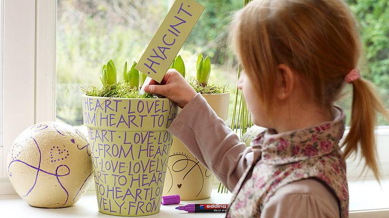 Blumentopf Bemalen Bring Den Fruhling Auf Die Fensterbank Ideen