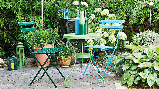 Garden oasis – bright creations in metal