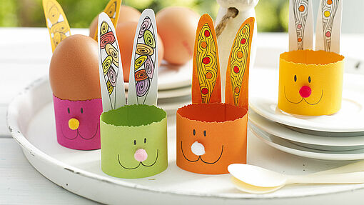 Egg cups with Zendoodle patterns