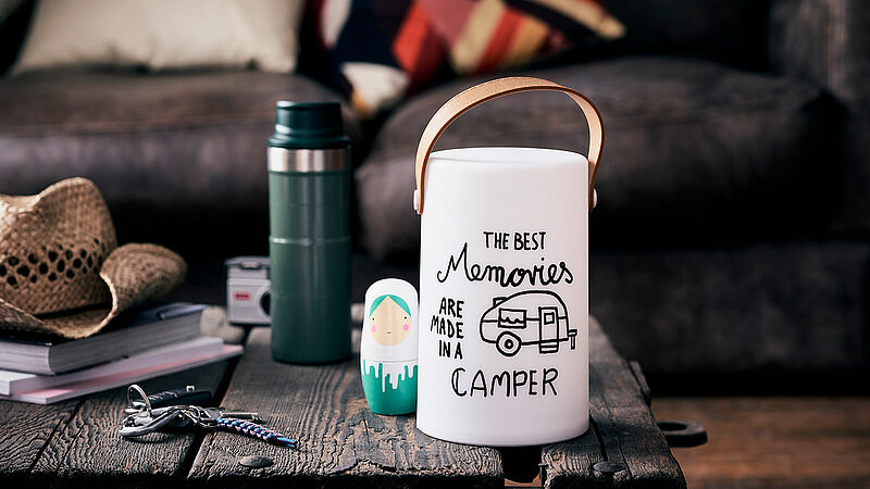 Decorating a camping lantern