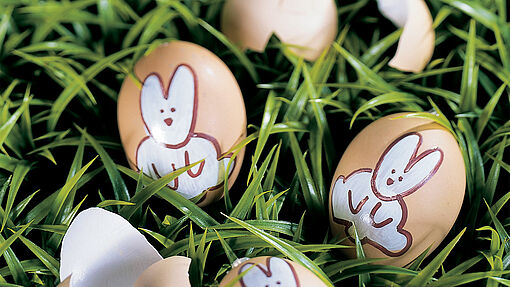 Easter egg decorating – bunny design