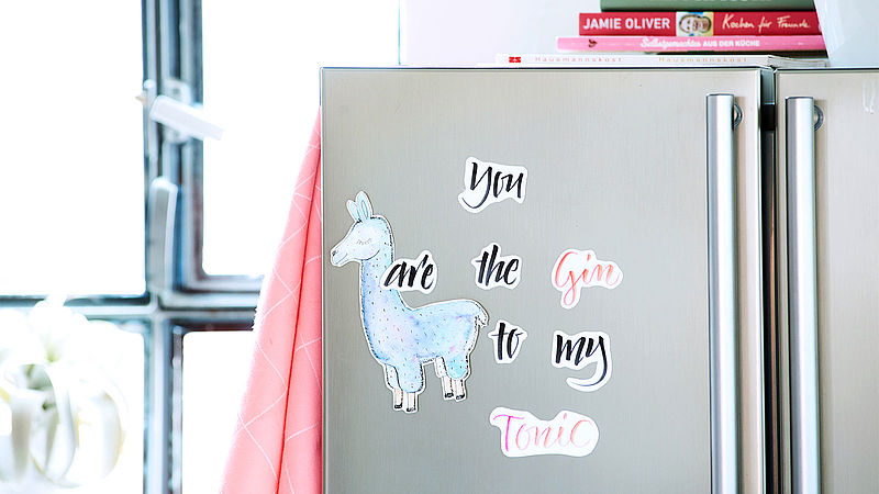 Make your own fridge magnets in hand lettering style