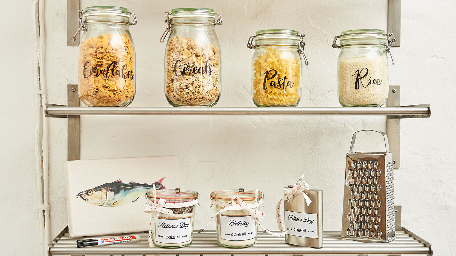 marking storage jars with edding